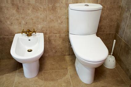 lady urinates in public