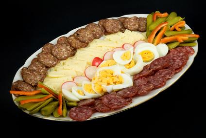 Comidas baratas para una multitud ehow en espa ol - Cenas baratas en casa ...