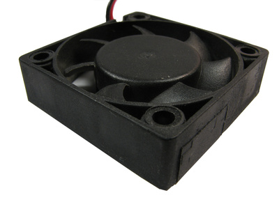 How to Connect a Case Fan With Molex