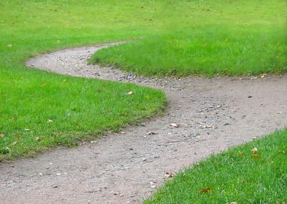 Ideas para caminos y senderos de jard n ehow en espa ol for Caminos en jardines