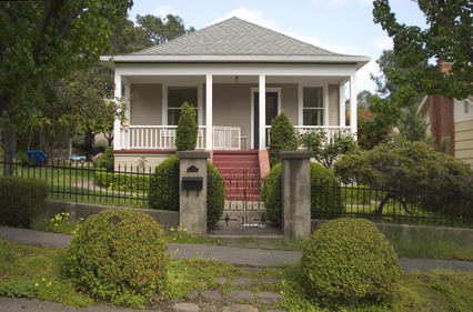 Bungalow vs ranch house home guides sf gate for California bungalow vs craftsman