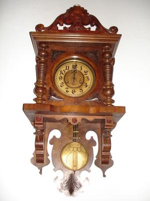 setting cuckoo clock instructions