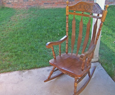 how to identify old windsor rocking chairs ehow uk. Black Bedroom Furniture Sets. Home Design Ideas