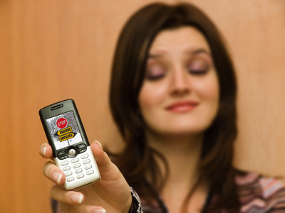 What Is the Difference Between SMS & MMS Text?