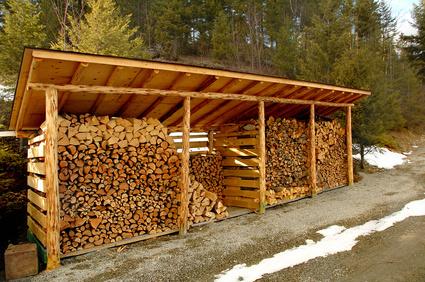 Dise os para construir un cobertizo de madera para for Casetas para guardar lena