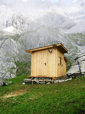 How to build a deer shooting house ehow uk for Hunting hut plans