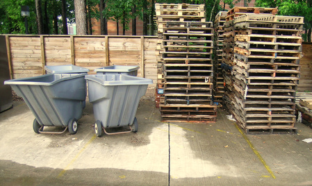 Fotolia 3388784 for Things to build using pallets