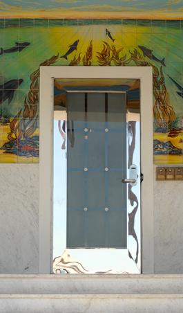 Door trim styles ehow uk for Clamshell door casing