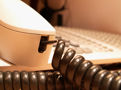 How to Check Voicemail on a Lucent Phone