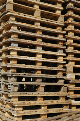 How to make things out of reused wood pallets ehow uk for Building stuff out of pallets
