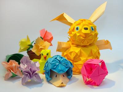 Оригами.  Как сделать мяч для бумажного футбола.