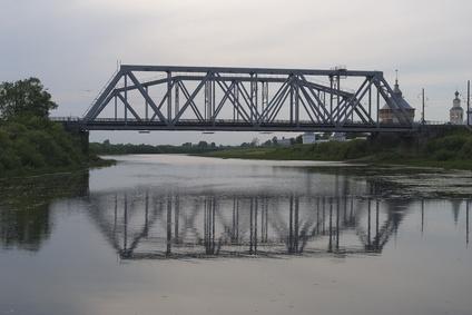Strong Paper Bridge Designs
