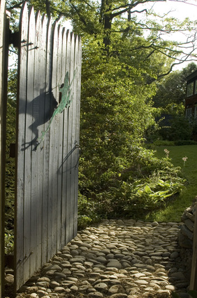 how to build a privacy fence gate