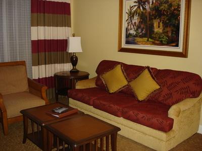 Ideas de dise o interior para peque as salas de estar ehow en espa ol for Diseno sala de estar pequena