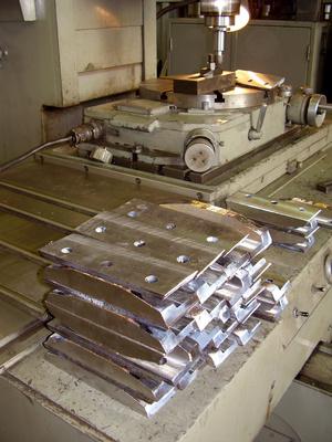 Press Machine Types | Bizfluent