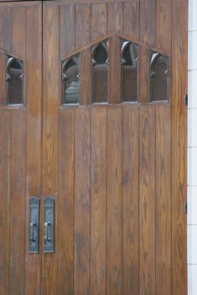 How To Build A Board Amp Batten Door Ehow Uk