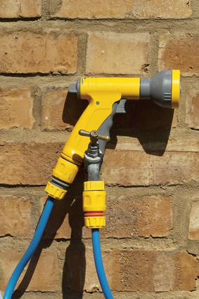 How to use an air hose for a pressure washer ehow uk - Turn garden hose into pressure washer ...