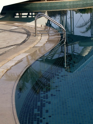 How To Kill Black Mold In A Swimming Pool Ehow Uk