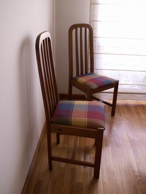 C mo tapizar sillas de madera para el comedor ehow en - Como tapizar sillas de madera ...