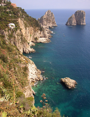 Places to go in italy in december usa today for Warm places to visit in december in usa