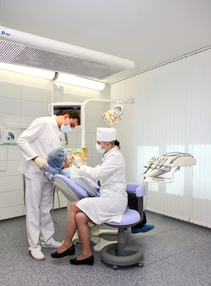 How Much Does a Dental Hygienist Make an Hour?