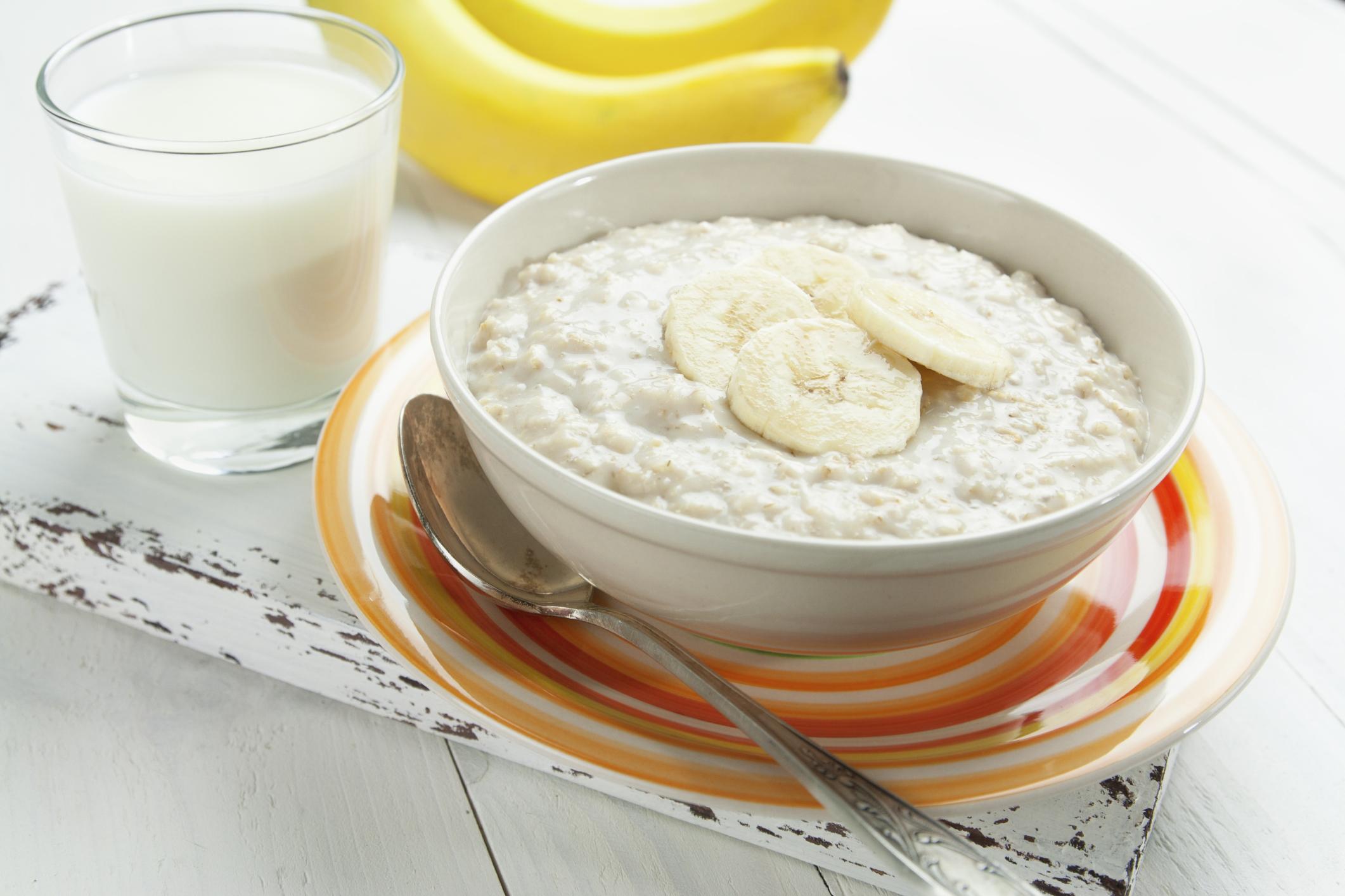 Healthy diet: caloric content of rice porridge on milk
