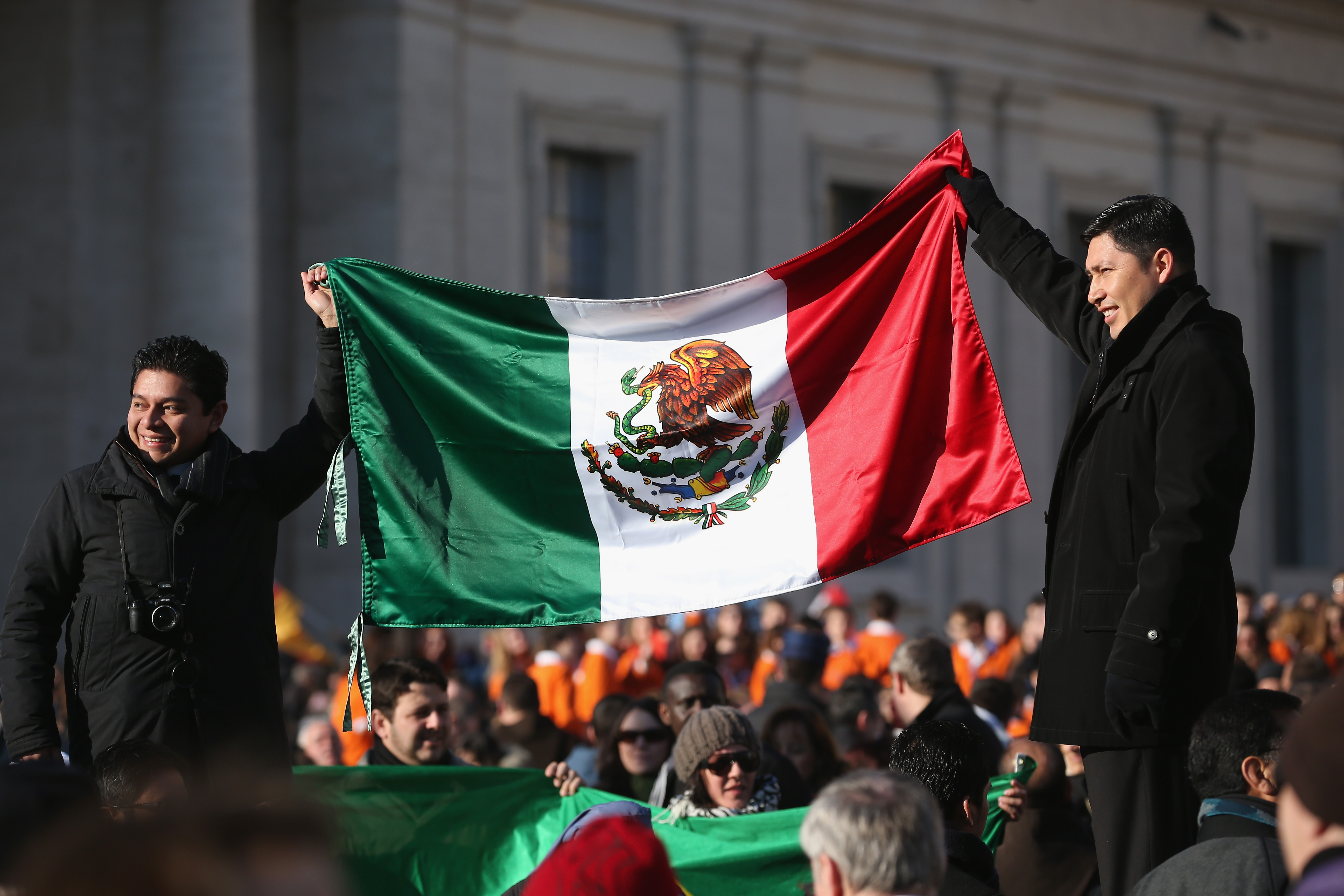 What Do the Colors of the Mexican Flag Mean? | Synonym