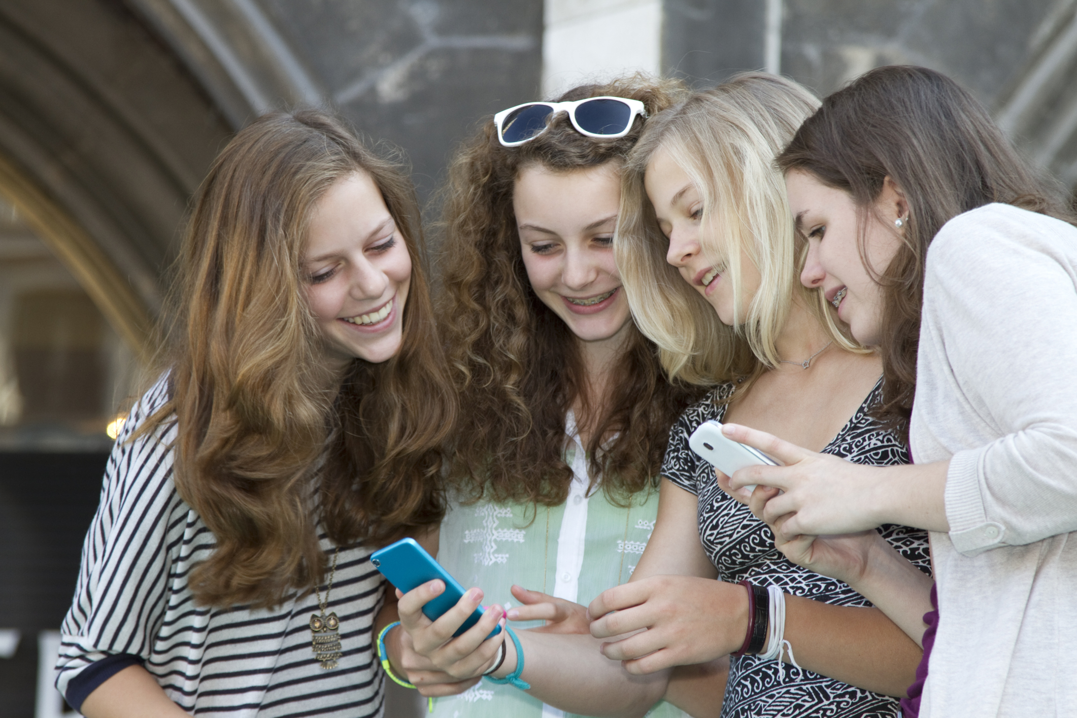 select-topic-teen-health-friendship-images-kolkata