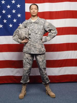 difference between commissioned officer and enlisted dating