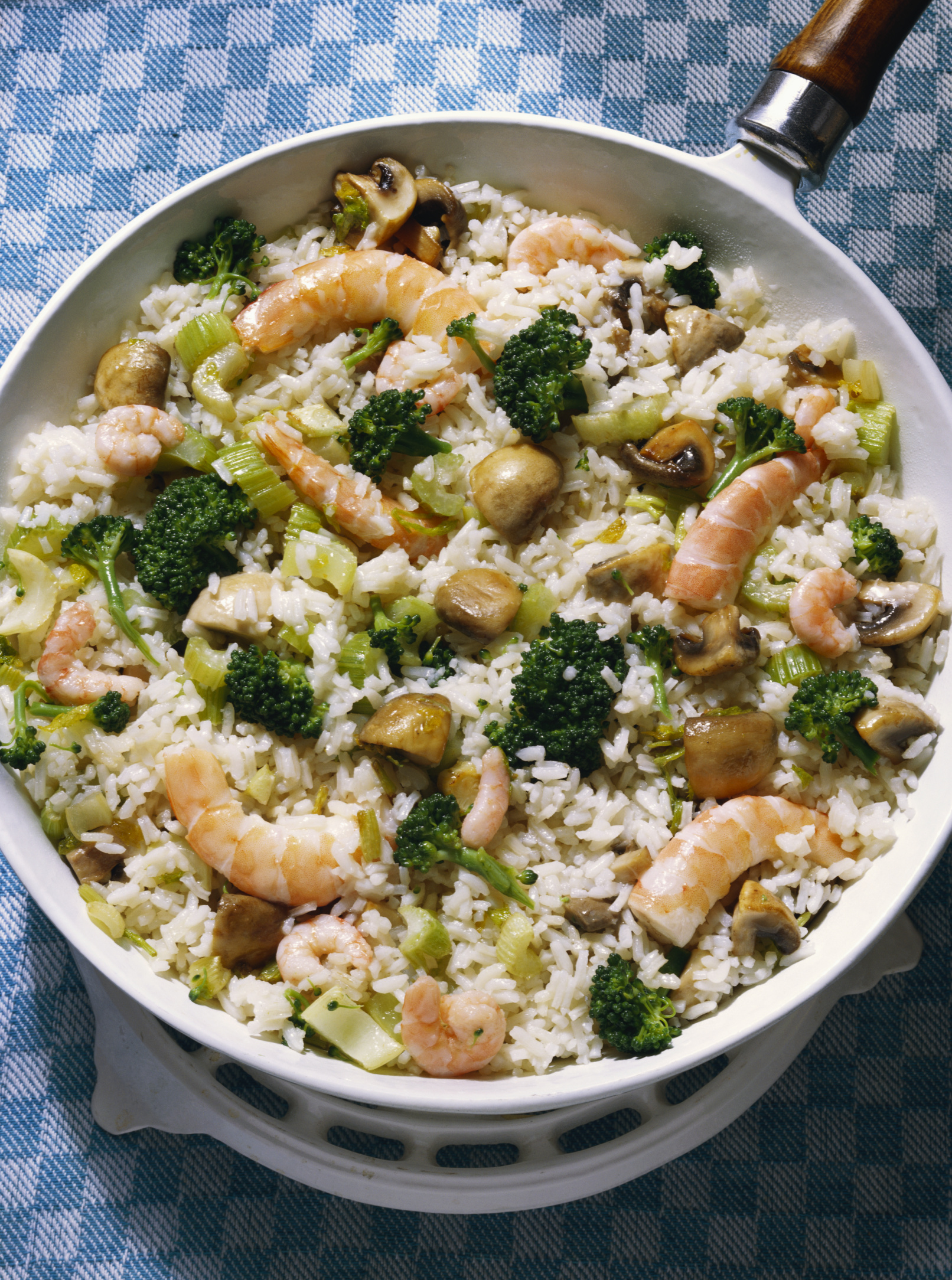 Combine broccoli with whole grains to obtain more protein.