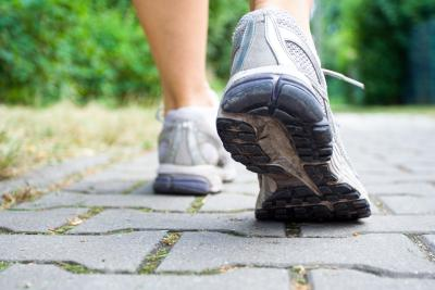 Lose 10 pounds in a month by walking