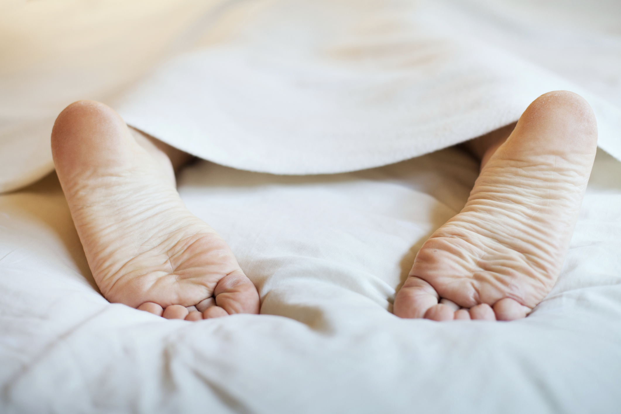 Foot Pain When First Walking in the Morning | LIVESTRONG.COM