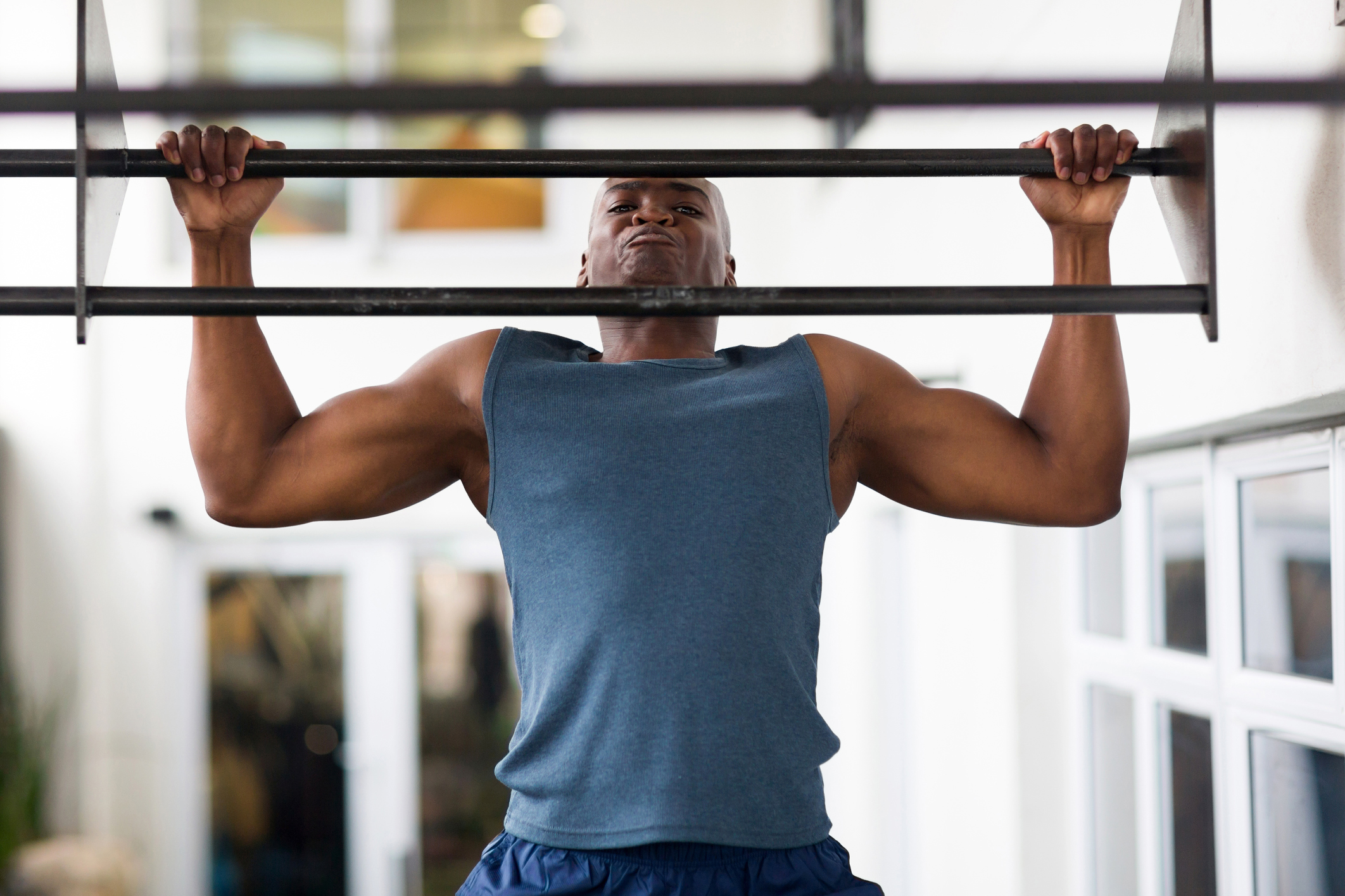 How to properly pull on the bar with the maximum benefit