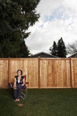 How To Mount Wood Fence Panels Between Posts Home Guides
