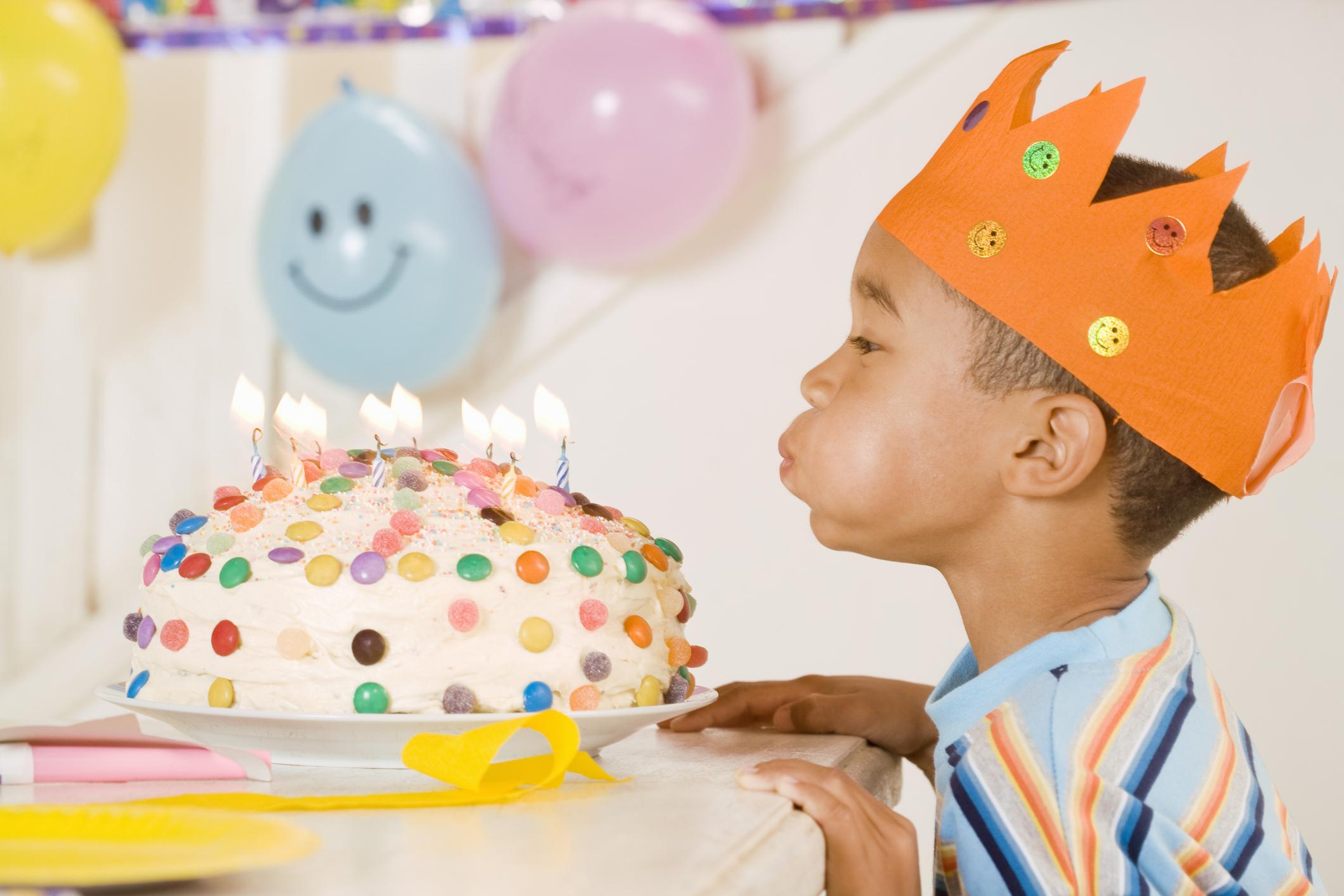 ideas de fiestas de cumpleaos para un nio de aos ehow en espaol with que hacer en una fiesta de cumpleaos