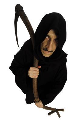Como fazer uma capa preta com capuz para o Halloween ...