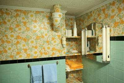 How To Repaint A Bathroom With Old And Peeling Wallpaper