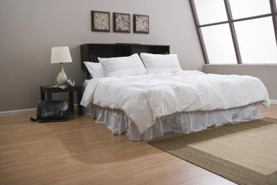 How To Decorate Bedrooms With Hardwood Floors Home
