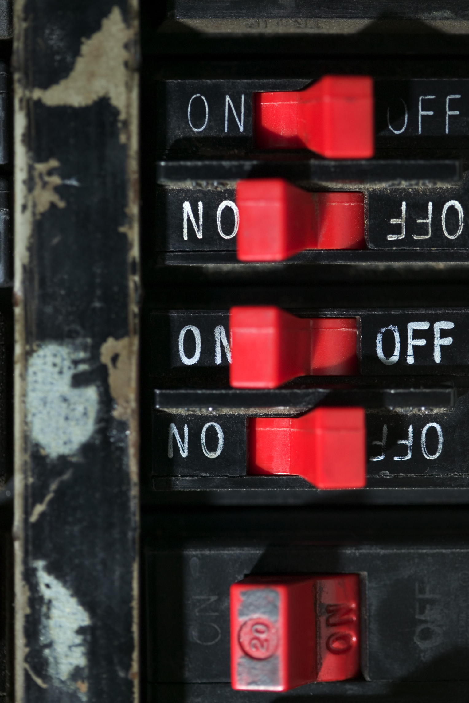 Independent Vs Common Trip Circuit Breaker Ehow Types Video Different Of Breakers