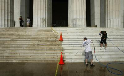 How To Bid On Pressure Washing For A Commercial Property