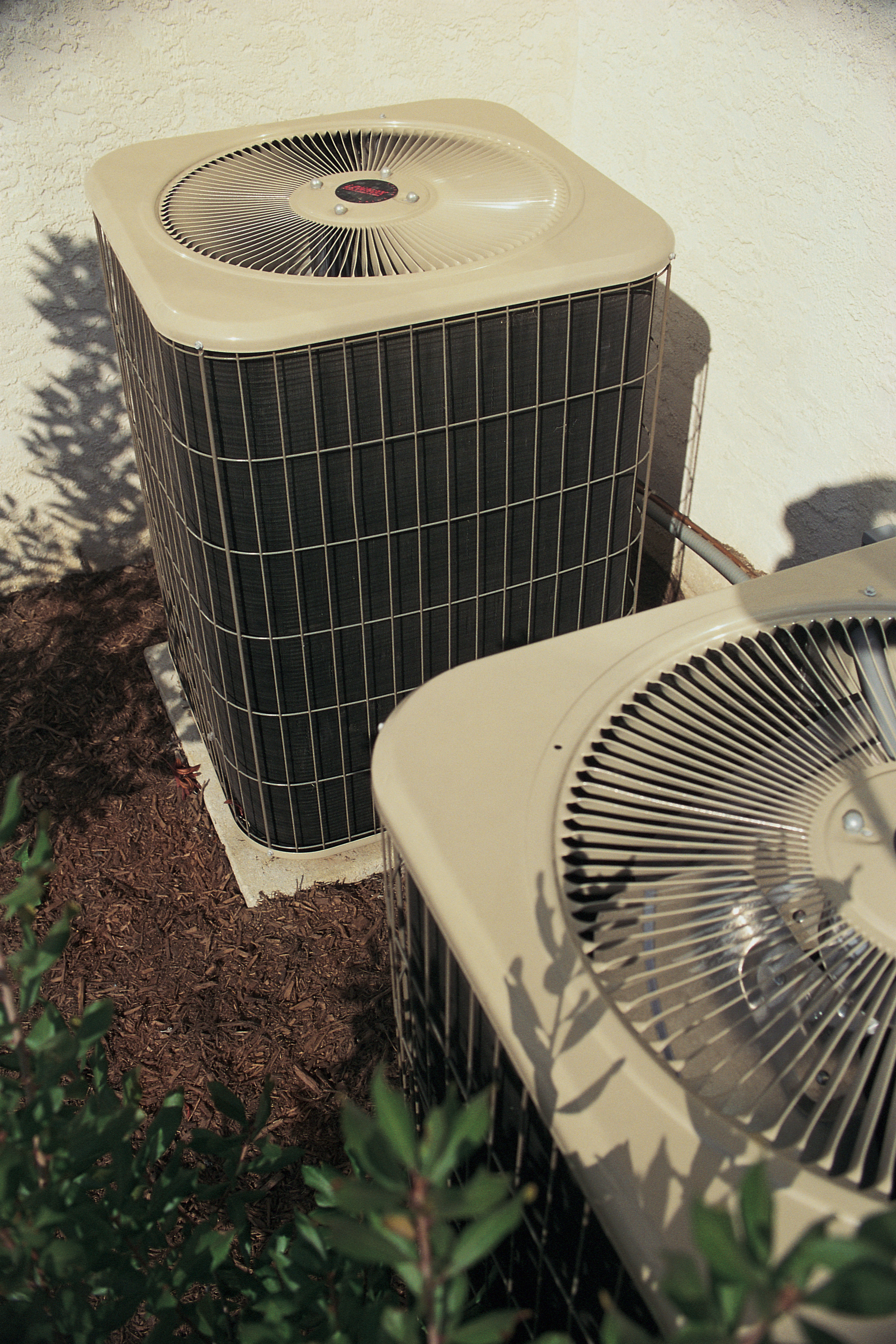 How Much Water Should Drain From a Central Air Conditioner? | Hunker