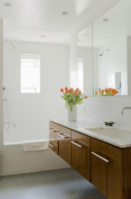 Ideas for Remodeling a 5X7 Bathroom - Budgeting Money