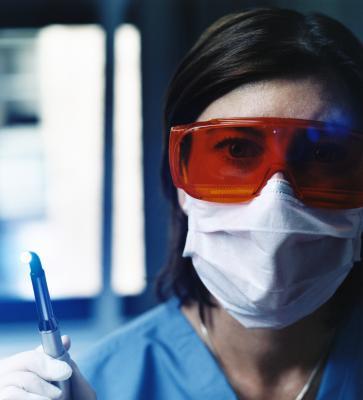 how to become oral maxillofacial surgery