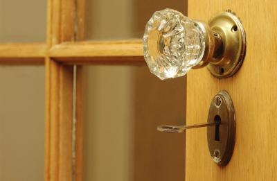 How To Replace An Interior Door Latch That Won T Stay