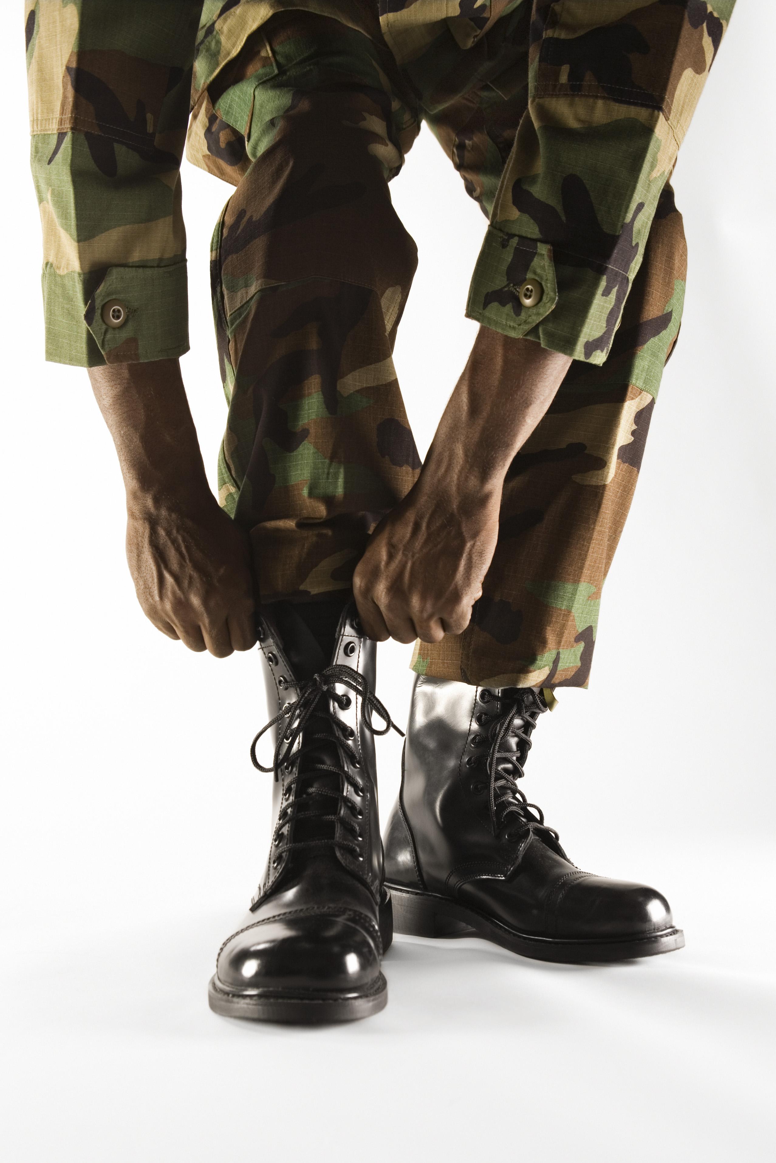 baratas precio atractivo mejores zapatos Cómo abuchonar pantalones militares