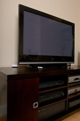 Do I Need a Box With Comcast Limited Cable? | It Still Works