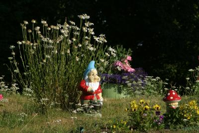 How to protect lawn decorations from theft home guides sf gate - How to keep thieves away from your home ...