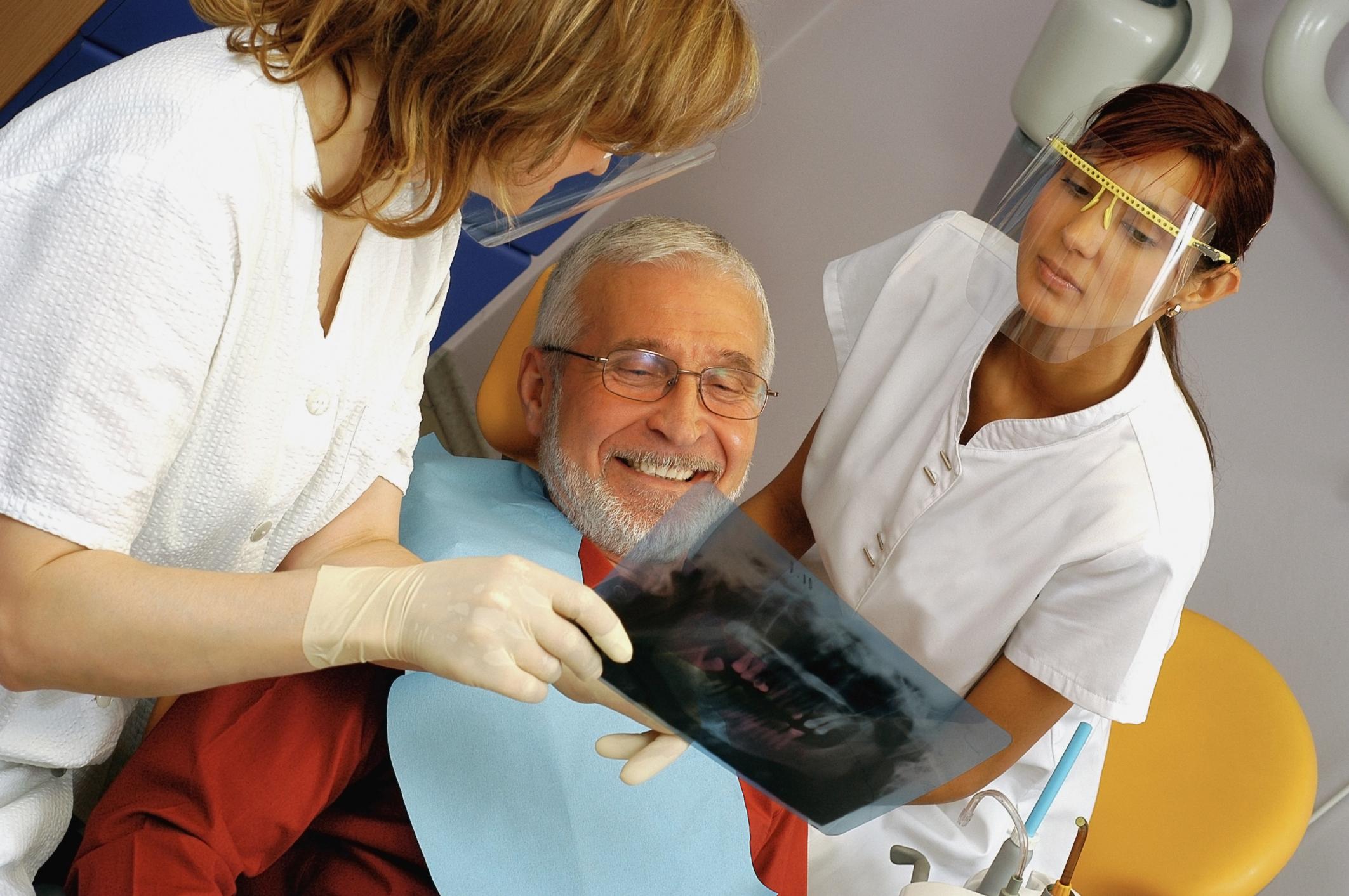 быть льготное протезирование зубов для пенсионеров Тюрина Максаковой