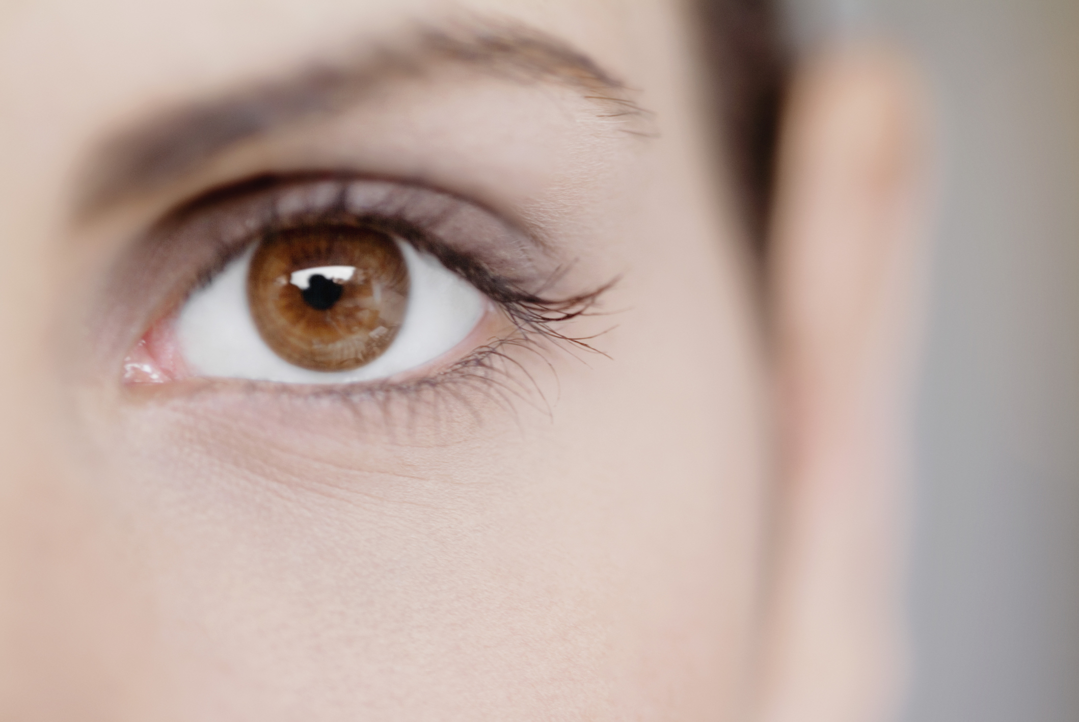 Natural Ways To Reduce Puffiness Under Eyes