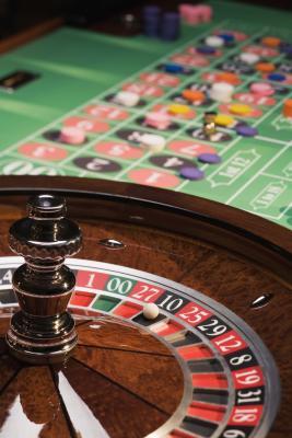 Card set pokerissa ristisanatehtavat